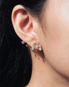 Guys Ear Piercings, Ear Piercings Chart, Different Ear Piercings, Ear Piercings Tragus, Bar Stud Earrings, Pearl Drop Earrings, Crystal Earrings, Hanging Cross Earring, Hanging Earrings