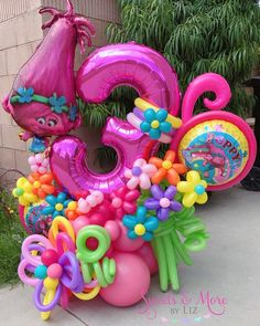 Birthday Party Images, Trolls Birthday Party, Troll Party, 4th Birthday Parties, Birthday Balloon Decorations, Birthday Balloons, Graduation Balloons, Balloon Table Centerpieces, Balloon Bouquet