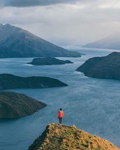 High above Lake Wanaka NZ.  Photo by @eljackson #stayandwander by stayandwander