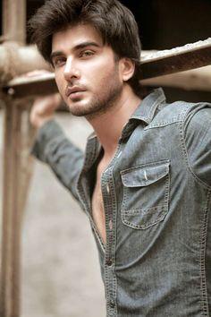 Imran Abbas Pakistani singer actor and model Pakistani Models, Pakistani Actress, Beautiful Men Faces, Bollywood Gossip, Bollywood News, Bollywood Wedding, Attractive Guys, Pretty Eyes, Bollywood Celebrities