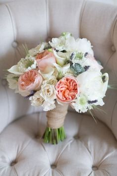 Love this peach and white bouquet