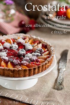 io...così come sono...: Crostata integrale con albicocche, ciliegie e frag...