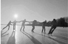 diversao, patinando no gelo com amigos