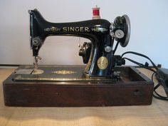 Antique 1925 Singer Portable Electric Sewing Machine w/Original Case  #Singer