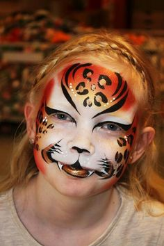 Face painting of a wild cat