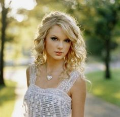 Taylor Swift (Taylor Alison Swift)was born December 13, 1989. She is an