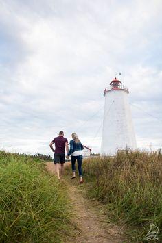 Le phare de l'île Miscou, érigé en 1856 et toujours en fonction. | Côte acadienne, Nouveau-Brunswick #ExploreNB
