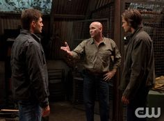 """""""Two and a Half Men"""" - Jensen Ackles as Dean, Mitch Pileggi as Samuel Campbell, Jared Padalecki as Sam in SUPERNATURAL on The CW. Photo: Jack Rowand/The CW ©2010 The CW Network, LLC. All Rights Reserved."""