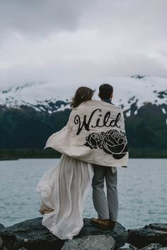 Winter weddings = more excuses to cuddle