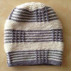 Iki Ters Bir Düz – Knitting patterns, knitting designs, knitting for beginners. Loom Knit Hat, Loom Knitting, Knitting Stitches, Hand Knitting, Knitted Hats, Knit Crochet, Crochet Hats, Baby Knitting Patterns, Crochet Patterns