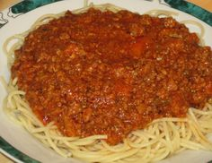 1 lb ground meat (beef, pork, turkey) 2 T olive oil 1 onion, diced 4 ounce) cans diced/crushed tomatoes 1 T cornstarch 1 T basil. Italian Spaghetti Sauce, Spagetti Sauce, Homemade Spaghetti Sauce, Copycat Recipes, Pork Recipes, Pasta Recipes, How To Cook Pasta, A Food, Food To Make