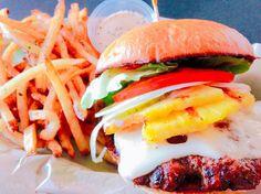 """[[ Duke's Photo Archive]] """"The Best Burger on the Planet"""" ハワイ島はコナにある史上最強のハンバーガーhamburgerアルティメットバーガーパイナップル入りポテトも美味っ Taken on Mar. 29th 2014 #Hawaii #BigIsland #Hamburger #ハワイ #ハワイ島 #ビッグアイランド #ハンバーガー"""