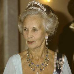 <span>Prinsessan Lilian med sitt diadem på en galamiddag 1982.</span>