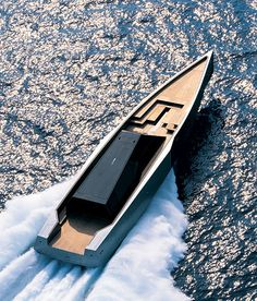 The 118 WallyPower is a m) luxury motor yacht with 3 turbine engines and a maximum speed of 60 knots mph, 110 km/h) produced by Wally Yachts. Yacht Design, Boat Design, Super Yachts, Wally Yachts, Sports Nautiques, Bmw X7, Pagani Huayra, Yacht Boat, Speed Boats