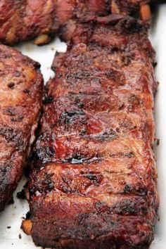 Carolina ribs with a vinegar based BBQ sauce are on the menu today. A Carolina bbq sauce guarantees excellent results in either the oven or smoker. Pork Rib Recipes, Grilling Recipes, Sauce Recipes, Meat Recipes, Gourmet Recipes, Cooking Recipes, Smoker Recipes, Cooking Tips, Pizza Recipes