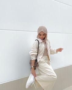 Hijab Fashion Summer, Modest Fashion Hijab, Street Hijab Fashion, Teen Fashion Outfits, Casual Hijab Outfit, Ootd Hijab, Fashion Fashion, Trendy Outfits, Spring Fashion