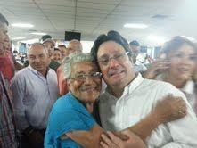 Compartiendo con la maravillosa gente en el Valle del Cauca durante un encuentro con delegados de varios Municipios. Vamos a Retomar el Rumbo. @PachoSantosC