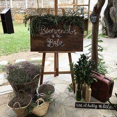 ¡Buuuuenos días, Lovers!  Ayer no pude ni venir a saludaros, pero es que...¡no me dan las horas! jajajajajaja ¡necesito días de 72h!....¿eso donde se consigue?🤪  LOVE #contamoshistoriasdeamor #love #amor #happy #feliz #bienvenida #flores #Villamartin #PradodelRey #Cádiz #Jerez #bodascadiz #wedding #weddingplanner #boda #bodasbonitas #decor #handmade #inlove #fashion #fashionista #fashionblogger #moda #quotes #destinationwedding