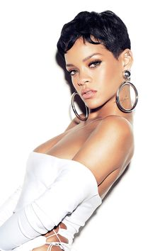 Check out these amazing short hairstyles Rihanna has had over the last few years. From long red hair, braids, and undercuts to these varied short hairstyles, Rihanna has had too many over the last … Short Black Hairstyles, Pixie Hairstyles, Short Hair Cuts, Hairstyles 2016, Short Wavy, Rihanna Short Hairstyles, Layered Hairstyles, Pixie Haircuts, Celebrity Hairstyles