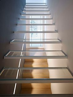 Pin By Ak On Architecture Staircase Design Modern Stairs Modern Stair Railing, Modern Stairs, Staircase Design, Stair Design, Stair Treads, Glass Stairs, Floating Stairs, Stairs Architecture, Interior Architecture