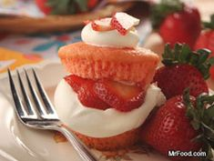 Strawberry Shortcake Cupcakes - An easy throw-together treat for your sweetie.