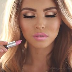 pretty fresh looking makeup for summer time. I love a light pink lip way more than a nude.