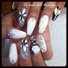 Black and white nails <3