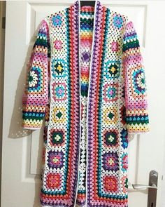 758 likes, 7 Comments – entel lace works as a team ( in … - Everything About Knitting Crochet Coat, Crochet Jacket, Crochet Cardigan, Crochet Granny, Knitted Shawls, Crochet Clothes, Easy Crochet, Crochet Bags, Dress Patterns