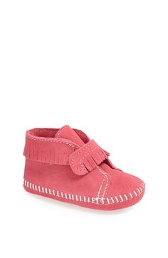 Minnetonka Bootie (Baby & Walker) available at Get in brown or red Baby Girl Shoes, Girls Shoes, Baby Girl Fashion, Kids Fashion, Maila, Shoe Crafts, Crib Shoes, Baby Booties, Toddler Outfits