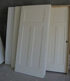 interior doors in white craftsman style I want these doors. Just got new doors now I want to change them to these doors. Need to butter up the hubby. - May 25 2019 at Craftsman Interior Doors, Craftsman Door, Craftsman Style Homes, Interior Trim, Craftsman Houses, Interior Design, Shaker Style Interior Doors, White Interior Doors, Interior Door Styles