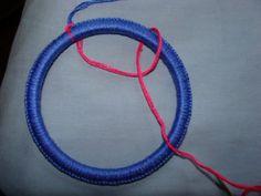 Dream Catcher Tutorial. Friendship Bracelets. Bracelet Patterns. How to make bracelets