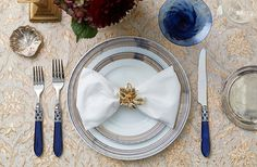 Coordinate your flatware to your glassware for a simple and stylish tablescape idea!
