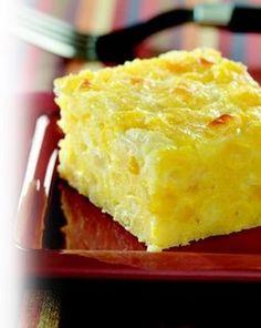 espectacular: sopa paraguaya! 200cc leche 125g harina de maiz 4 cebollas 2 huevos queso crmoso o curtirolo 300g:::arenar el queso con la harina agregar huevos y luego la cebolla dorada y fria leche y harina condimentar pimienta sal horno 20min en fuente enmantecada y con pan rallado