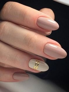 Autumn nails Beige and pastel nails Everyday nails Fall nails ideas Fashion autumn nails Gel polish on the nails oval Ideas of plain nails Medium nails Nagellack Design, Nagellack Trends, Prom Nails, Fun Nails, Chic Nails, Glitter Nails, Gold Glitter, Ongles Beiges, Lavender Nails