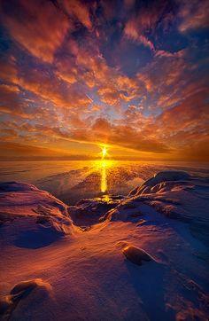 https://flic.kr/p/QXE14i | Standing Stilled | Sunrise on the shore of Lake Michigan in Wisconsin. Wisconsin Horizons By Phil Koch. phil-koch.artistwebsites.com