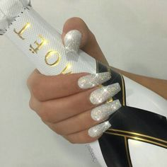 12 unique trending nail art designs for Hot nail right nail now in fashion. Stiletto nails, rainbow almond nails, Ombre rounded nail art designs for summer. White Coffin Nails, Stiletto Nails, Hot Nails, Hair And Nails, Gorgeous Nails, Pretty Nails, Silver Glitter Nails, Silver Acrylic Nails, Coffin Nails Glitter