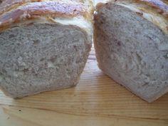 Chifle cu ceapa si cu masline   Laura Laurențiu Bread, Food, Brot, Essen, Baking, Meals, Breads, Buns, Yemek