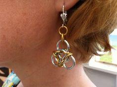 Tri loops... Jewelry Design, Drop Earrings, Fashion, La Mode, Drop Earring, Fashion Illustrations, Fashion Models, Chandelier Earrings