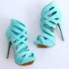 El  buen calzado colombiano #moda #modacolombiana #calzado #zapato #zapatos #tacon #tacones  #valencia