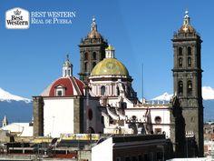 EL MEJOR HOTEL EN PUEBLA. La ciudad de Puebla es una de las más antiguas de nuestro país, data de 1532 y se le consideraba la segunda ciudad más popular del México Colonial. En Best Western Real de Puebla, le invitamos a hospedarse con nosotros en su próximo viaje para disfrutar de los encantos que le ofrece nuestra ciudad. Comuníquese al teléfono (55) 55118957. ¡Le esperamos! #bestwesternhotelrealdepuebla