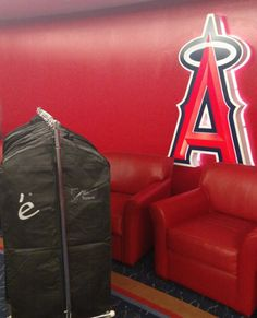 By the looks of those garment bags, we think there's going to be some dapper looking @Angels in some #EleveeOriginal suits in the near future #Angels #Halos #AtTheBigA #MLBStyle #menswear #bepsoke #specialdelivery #preciouscargo #BTS