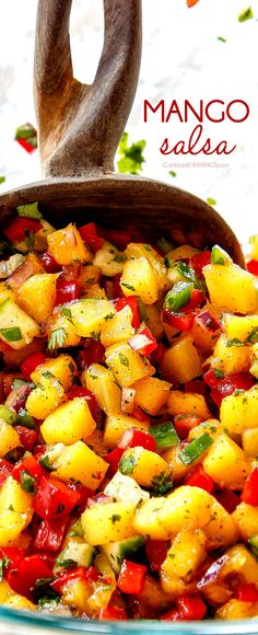 Juicy sweet tangy healthy fresh MANGO SALSA in 20 minutes This salsa is the perfect make ahead appetizer or topping for tacos chicken pork or fish via carlsbadcraving Make Ahead Appetizers, Appetizer Recipes, Salad Recipes, Fruit Recipes, Dip Recipes, Recipies, Clean Eating Snacks, Healthy Snacks, Healthy Eating