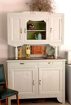25 Ideas For Shabby Chic Diy Decorations China Cabinets Shabby Chic Furniture Diy, Country Cottage Kitchen, Shabby Chic Living Room, Chic Kitchen, Furniture, Wallpaper Furniture, Shabby Chic Bedding Sets, China Cabinet, Shabby Chic Bedding