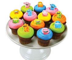Thought these were super cute! How i love cupcakes! Monster Treats, Monster Cupcakes, Monster Party, Beautiful Cupcakes, Love Cupcakes, Monster Baby Showers, Food Humor, Funny Food, Good Excuses