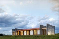 Gallery of House ER / Estúdio MRGB - 3