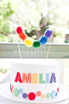 Rainbow Birthday Party   Cake   www.lifeandbaby.com