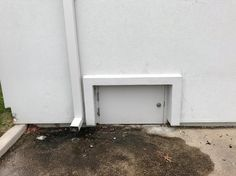 #i #heart #smart  On this episode of creepy little doors that lead to NOPE... Photo cred @raisingrufus