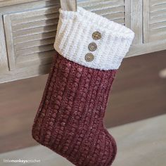 The Malia Christmas Stocking - free crochet pattern at Little Monkeys Crochet Crochet Christmas Stocking Pattern, Crochet Stocking, Holiday Crochet, Christmas Knitting, Crochet Gifts, Free Crochet, Christmas Patterns, Crochet Things, Hat Crochet