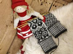 Sweet things: Adventtilapaset - osa 3 Monet, Advent, Christmas Stockings, Sewing Crafts, Holiday Decor, Inspiration, Instagram, Home Decor, Needlepoint Christmas Stockings