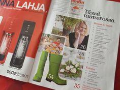 Töysän kenkätehtaan Arctips-saappat Kodin Kuvalehdessä joulukuussa 2013.